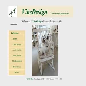 Boligkunst & hvide møbler